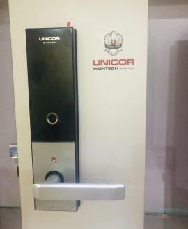 khóa vân tay Unicor M6700BK
